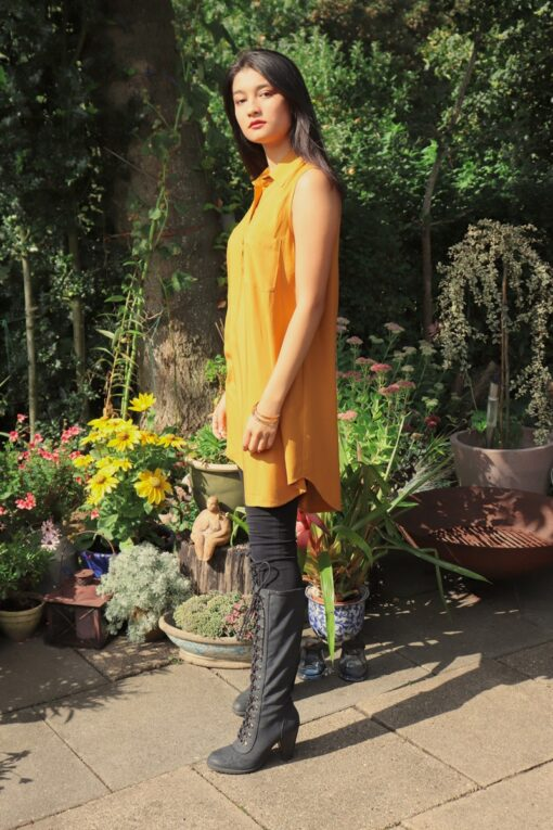 Papaya - Beautiful long shirt. Perfect for the weekdays and a night out.