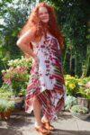 Hvid boheme kjole i 2 lag med striber og blomsterprint