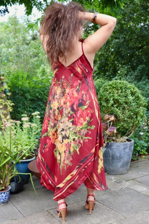 Afrodite - Beautiful bordeaux redsummer dress. Perfect for a night out.