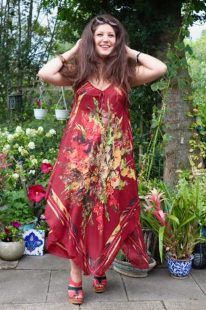 Afrodite - Beautiful bordeaux red summer dress. Perfect for a night out.