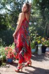 Elegant red summerdress in airy cotton with prints