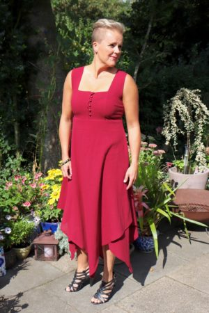 Ephesia - Elegant red evening dress made in a very nice materiale - Perfect for a night out.