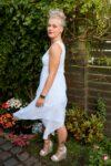 Ephesia - Elegant hvid aftenkjole i fint stof - perfekt til en aften ude.