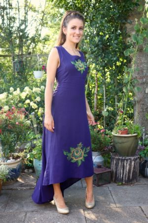 Helene - Beautiful purple party dress with flower embroidery. Perfect for a night out.