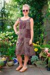 Etnisk boho kjole i kaffefarvet brun med mønstre og broderi