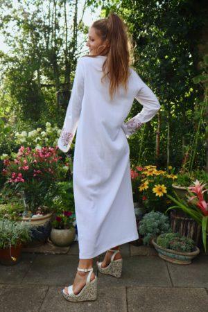 Nazife - Lækker hvid kaftan. Perfekt både kjole og jakke.