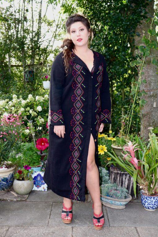 Nazife - Lækker sort kaftan. Perfekt både kjole og jakke.