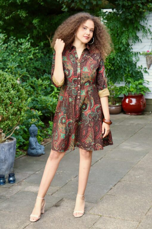 Amazing short everyday dress in coffee color with pattern. Midi style
