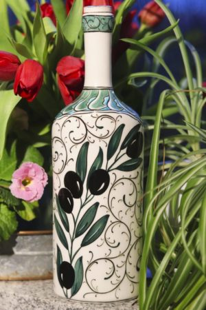 Zintuhi - Hand painted lead free bottle with a unique pattern. Perfect as decoration or storage.