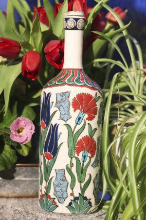 Hatun - Lead free ceramic bottle. Perfect as decoration.