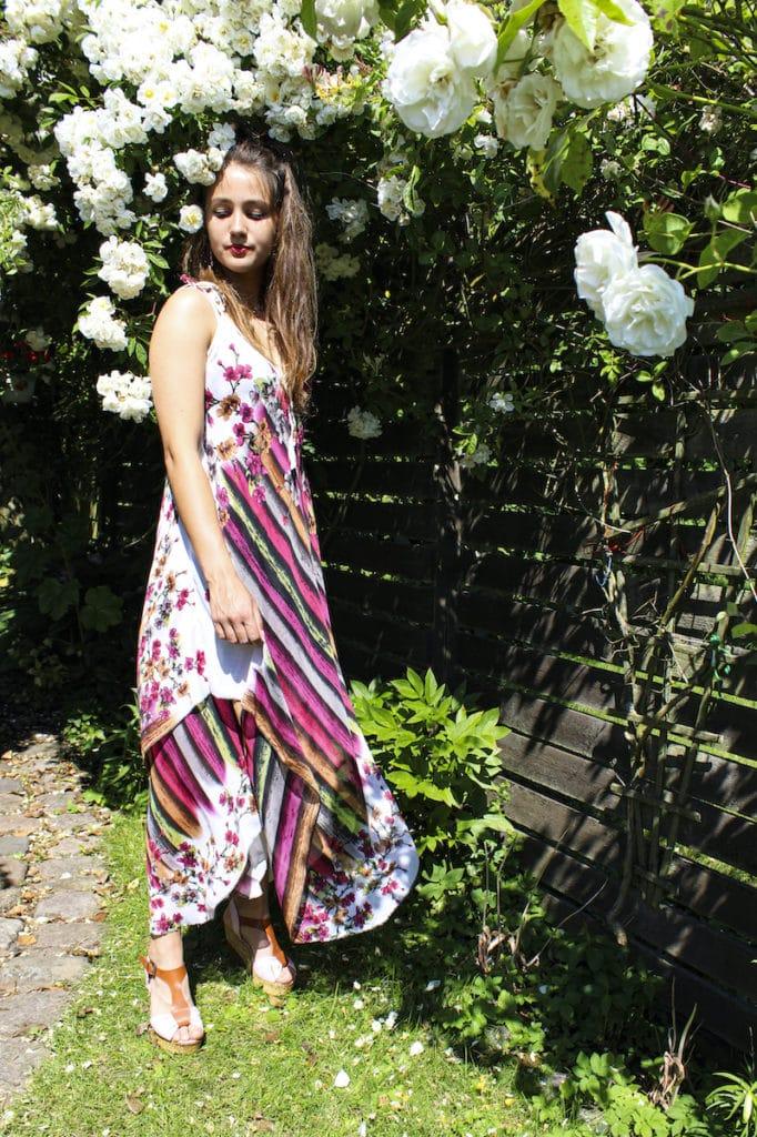 """En af vores modeller i kjolen """"Afrodite""""."""