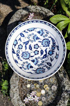 Khipa - Lækker håndmalet skål i flotte farver. Perfekt som brugskunst og pynt.