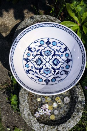 Nilufer - Unique colorful ceramic bowl. Perfect as storage and decoration.