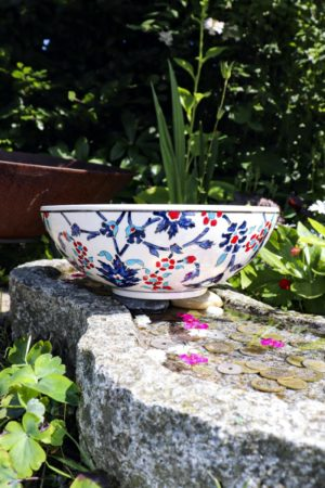 Istanu - Beautiful colorful ceramic bowl. Perfect for storage and decoration.