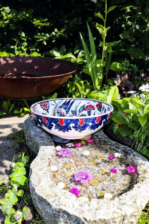 Crino - Unik blyfri keramikskål i flotte klare farver. Perfekt til både pynt og brug.