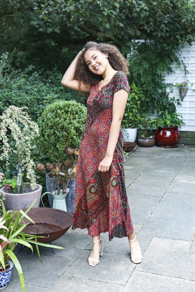 En af vores modeller i en lækker tyrkisk kjole.