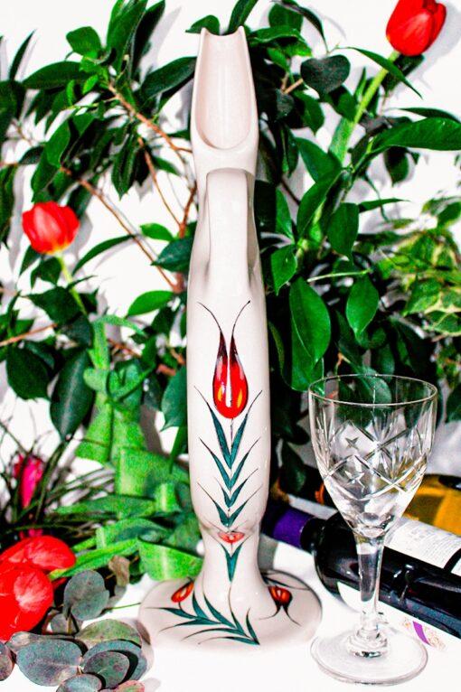 Vinkaraffel i håndlavet keramik. Hittitisk design