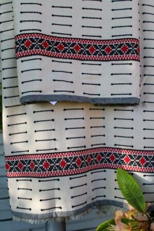 Bort på Tyrkisk håndklædesæt i røde sorte og hvide nuancer