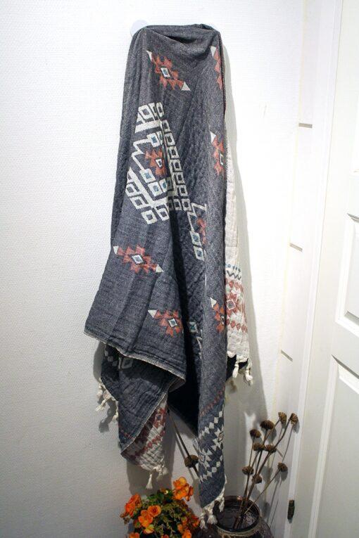 Hammam håndklæde i lyse og mørke farver