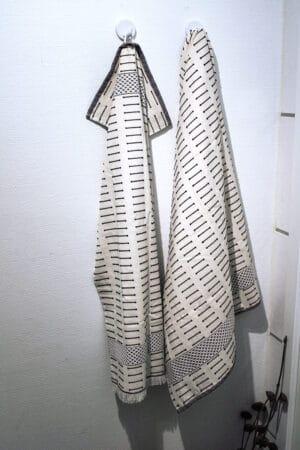 Beautiful towel set in detailed natural colors