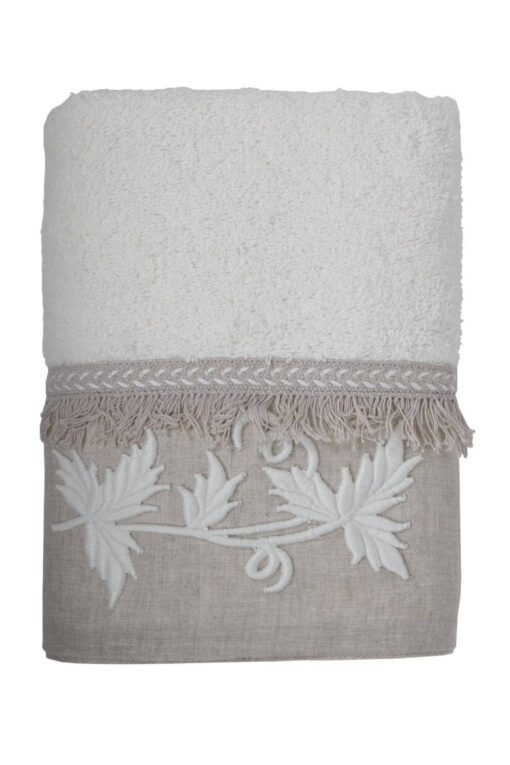 Flot lyst håndklædesæt med broderi i lækker økologisk bomuld