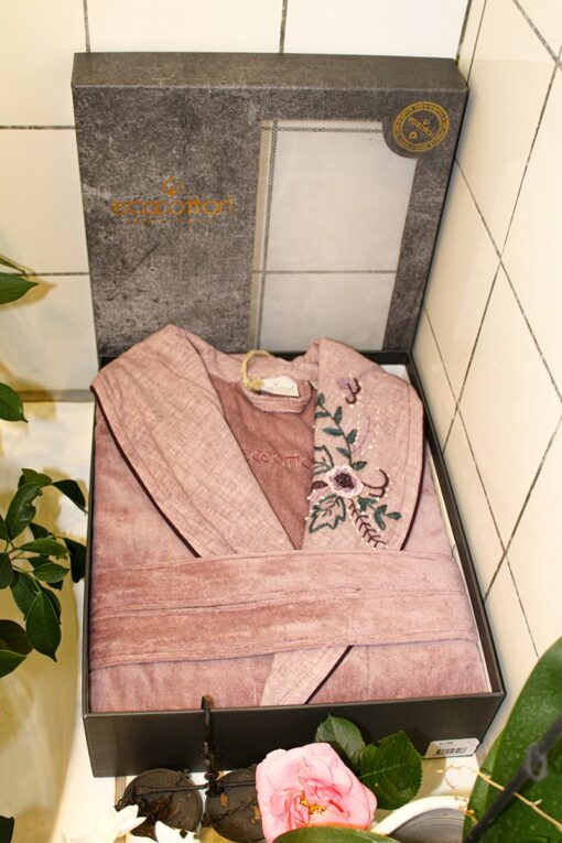 GOTS certified organic bathrobe in rose with embroidery at the collar
