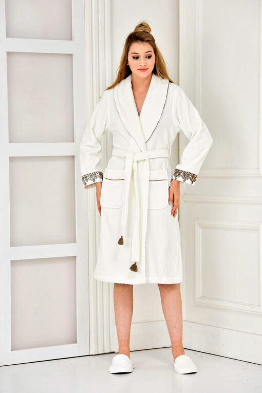 Organic white bathrobe in soft quality and embroidery