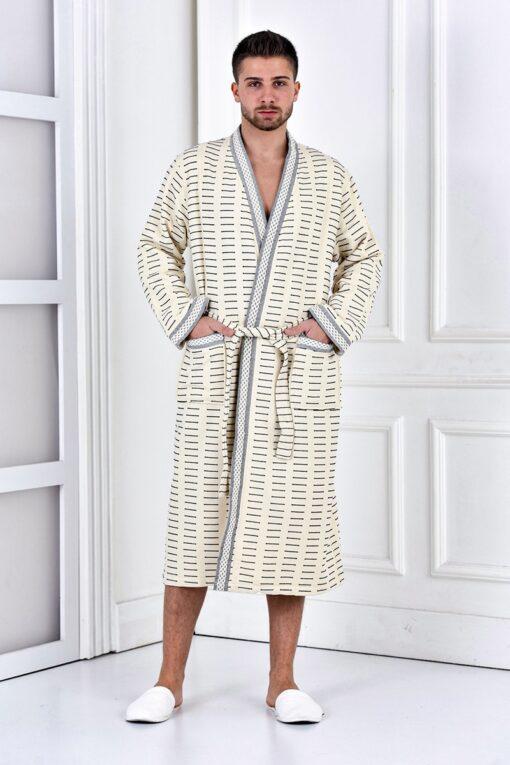 Trendy herre badekåbe med lommer i lys sandfarve, borter og mønster i grå og sort