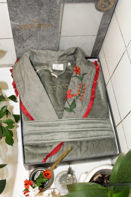 Økologisk badekåbe i eksklusivt design i dekorativ gaveæske