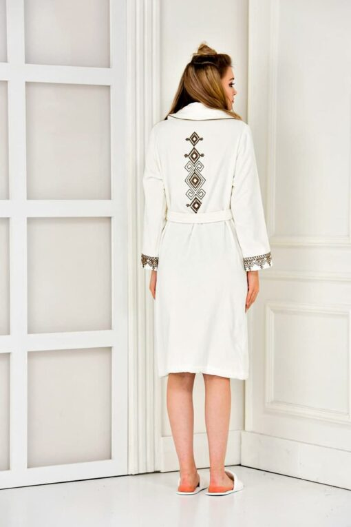 Luxury bathrobe in white with embroidery at the upper back - organic quality